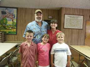 Tim Maakestad and family at the 2008 Hinderaker Reunion